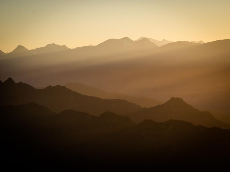 Wanaka - Isthmus Peak au couché de soleil avant le bivouac